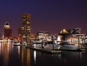 Inner Harbor in Baltimore bei Nacht. - Foto: Capital Region USA