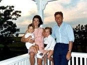 Die Kennedys in Hyannis. - Foto: Cecil Stoughton, White House, John Fitzgerald Kennedy Library, Boston