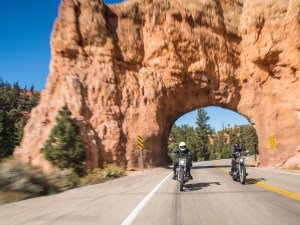 Easy-Rider-Feeling auf dem Highway 12. - Foto: Michael Kunde & Utah Office of Tourism