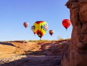 Bunte Heißluftballons über Arizona. - Foto: Arizona Office of Tourism