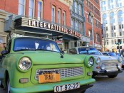 Trabants am alten Standort des International Spy Museum. - Foto: International Spy Museum