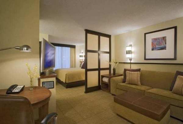 Как из одной комнаты сделать и спальню и гостиную фото: 75 ...