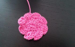 Crochet 8 petals applique