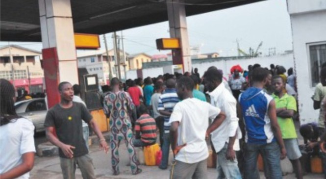 Petrol won't sell above N100 without subsidy –Experts