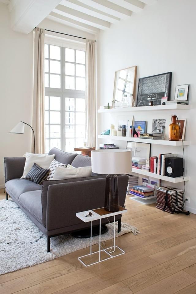 Laetitia Paris 3me Inside Closet