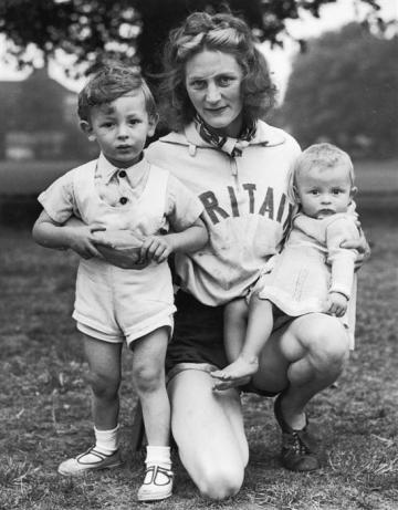 Tyler in 1948, with her sons David (left) and Barry