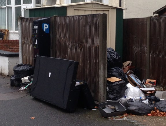 Tanfield Road, Waddon, September 2013: while local Tory councillors distribute leaflets boasting of record levels of recycling, their ill-served residents have to endure record levels of fly tipping. Our loyal reader will recognise this as a favourite site for tippers - it featured in our original Garbage Gallery 18 months ago, when it took the council nearly two weeks to clear the mess. This rancid rubbish pile has been growing for SIX WEEKS