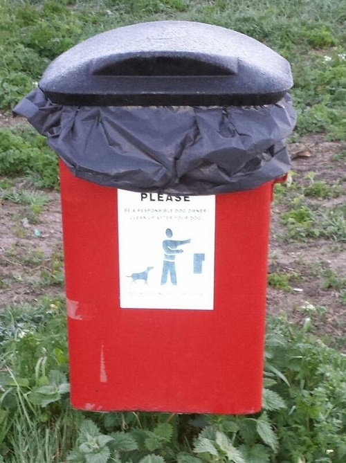 Lloyd Park, Apr 16 2014: after the state of the bin had been tweeted