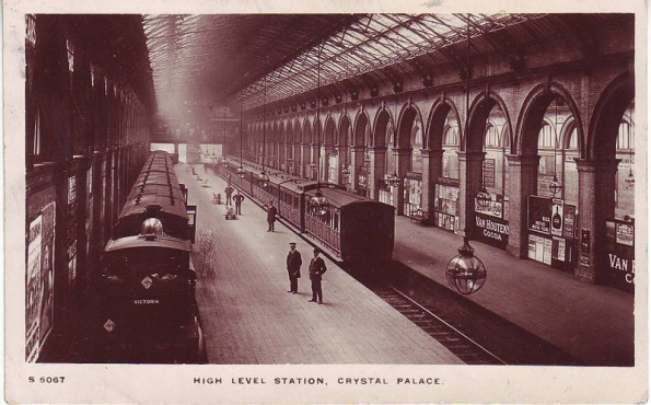A postcard of 1908, showing the station when still a busy  transport hub