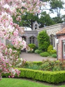 walsingham-cloistered-gardens
