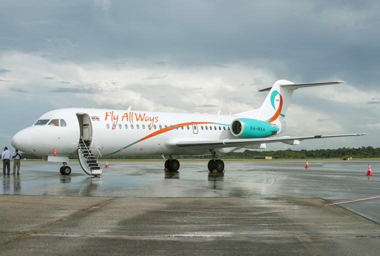 Fly Allways Fokker 70 met nog KLM registratie PH-WXA
