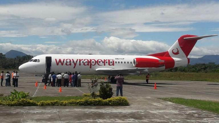 Wayreperu Fokker 70, voormalig KLM toestel met registratie PH-KZS