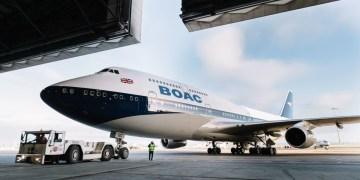 Eerste British Airways toestel in BOAC-livery geland