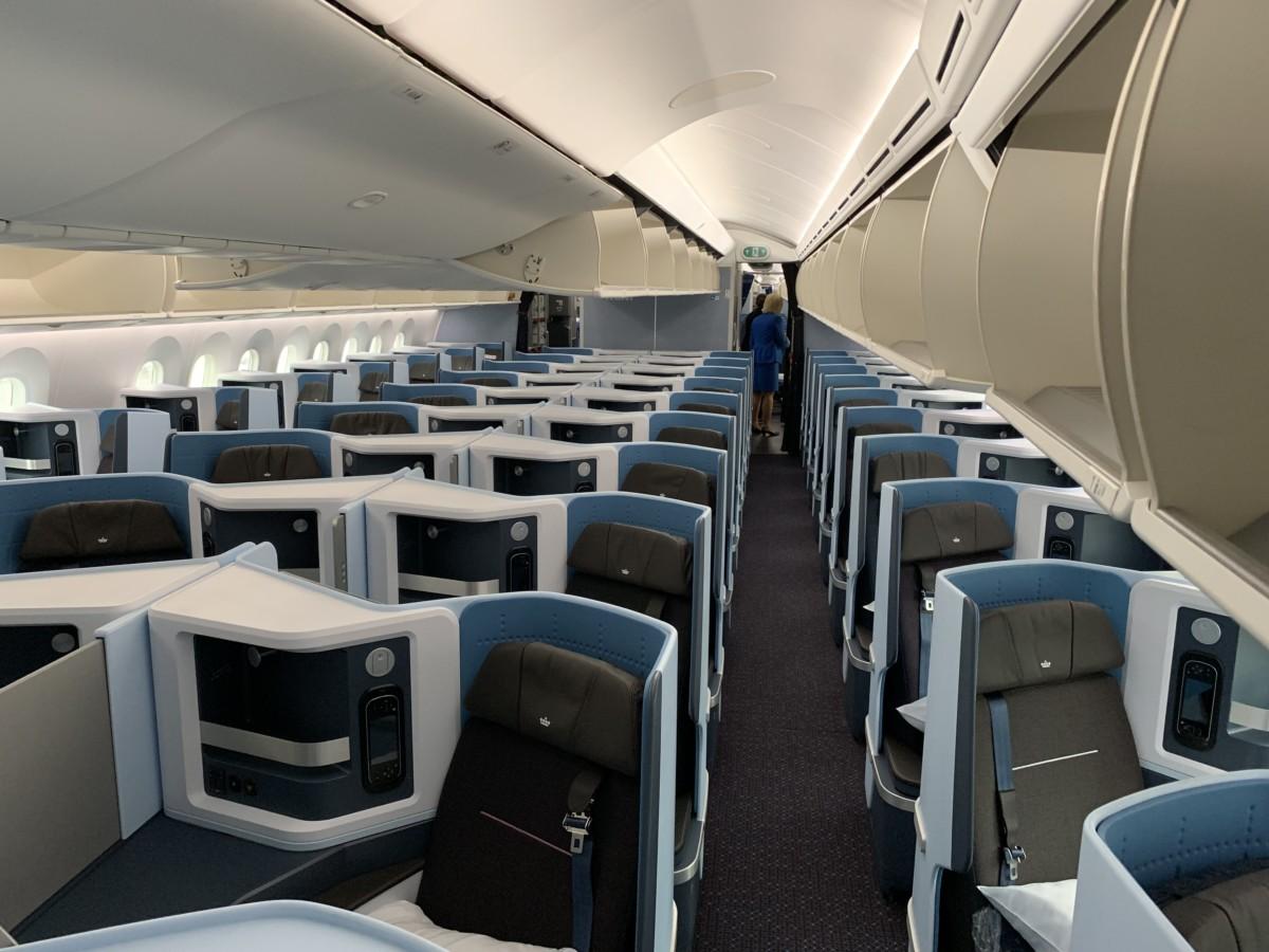 InsideLook: KLM Boeing 787-10 Dreamliner   PH-BKA   Oranjebloesem