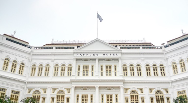 Raffles Singapore (Bron: Unsplash / Bady Abbas)