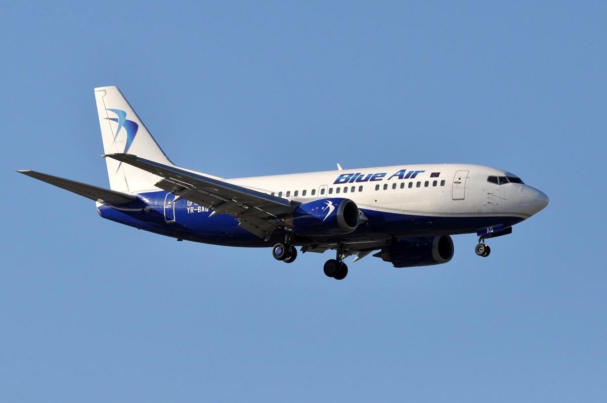 Boeing 737-500 van Blue Air (Bron: Eric Salard / Wikimedia Commons)