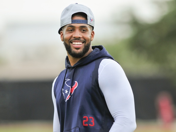 Arian-Foster-smiling-training-camp_131354