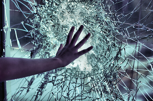 48479-Broken-Glass
