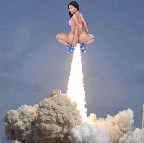 Nicki-Minaj-rocket-launch-meme