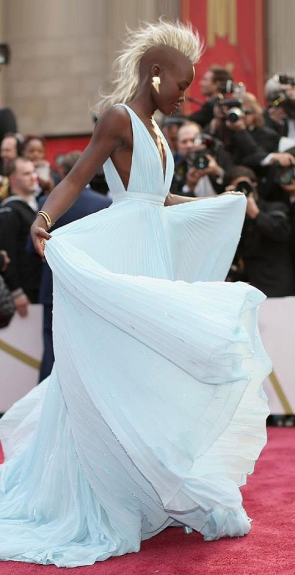 aacbd9d62433e8033265a25ee2d8bb84-lupita-nyongo-is-photoshopped-into-storm-from-the-x-men
