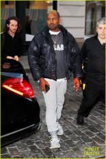 blond-kanye-west-steps-out-in-nyc-after-hospitalization-03