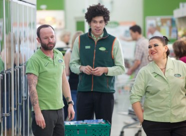 Trollied.Series 3.Episode 1..© Jon Hall/Sky1
