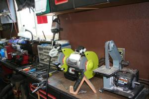 "Bench grinder and 1"" belt sander"
