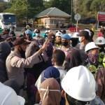 Kecewa Dengan Aksi Sebelumnya, GMSBMK Blokade Gate PT AMNT