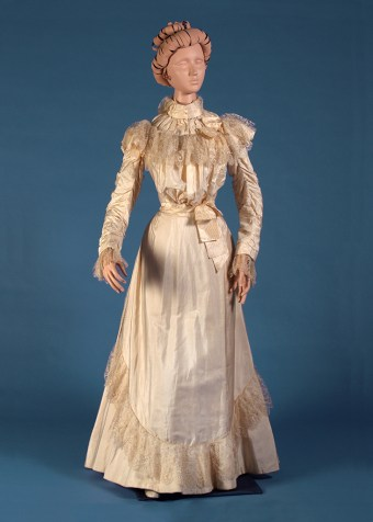 Ivory silk and lace wedding dress, 1898, KSUM 1993.18.1 ab