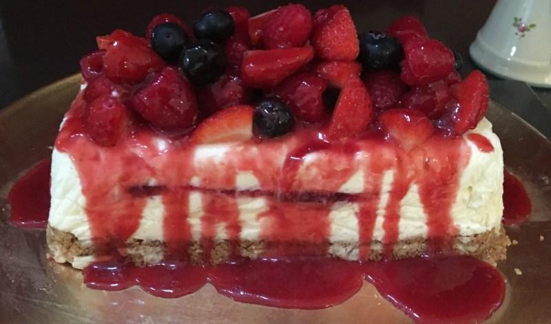 red berry and white chocolate cheesecake