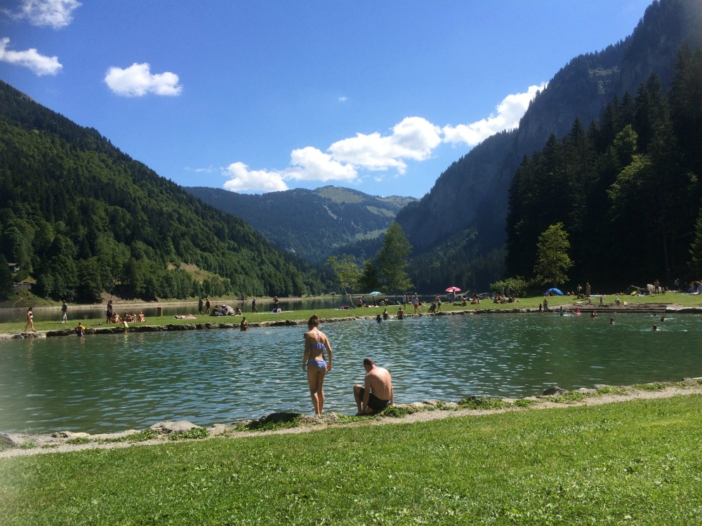 Lake Montriond in the summer