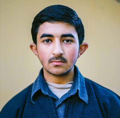 Syrian teenage boy in Reyhanli, Turkey by Mieke Strand