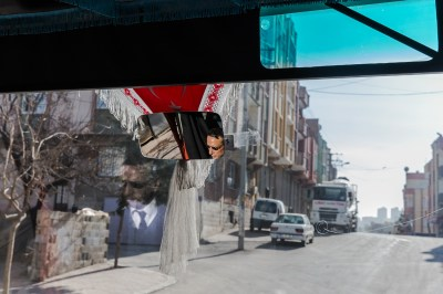 Friendship School bus dropping kids off after school in Gaziantep, by Mieke Strand