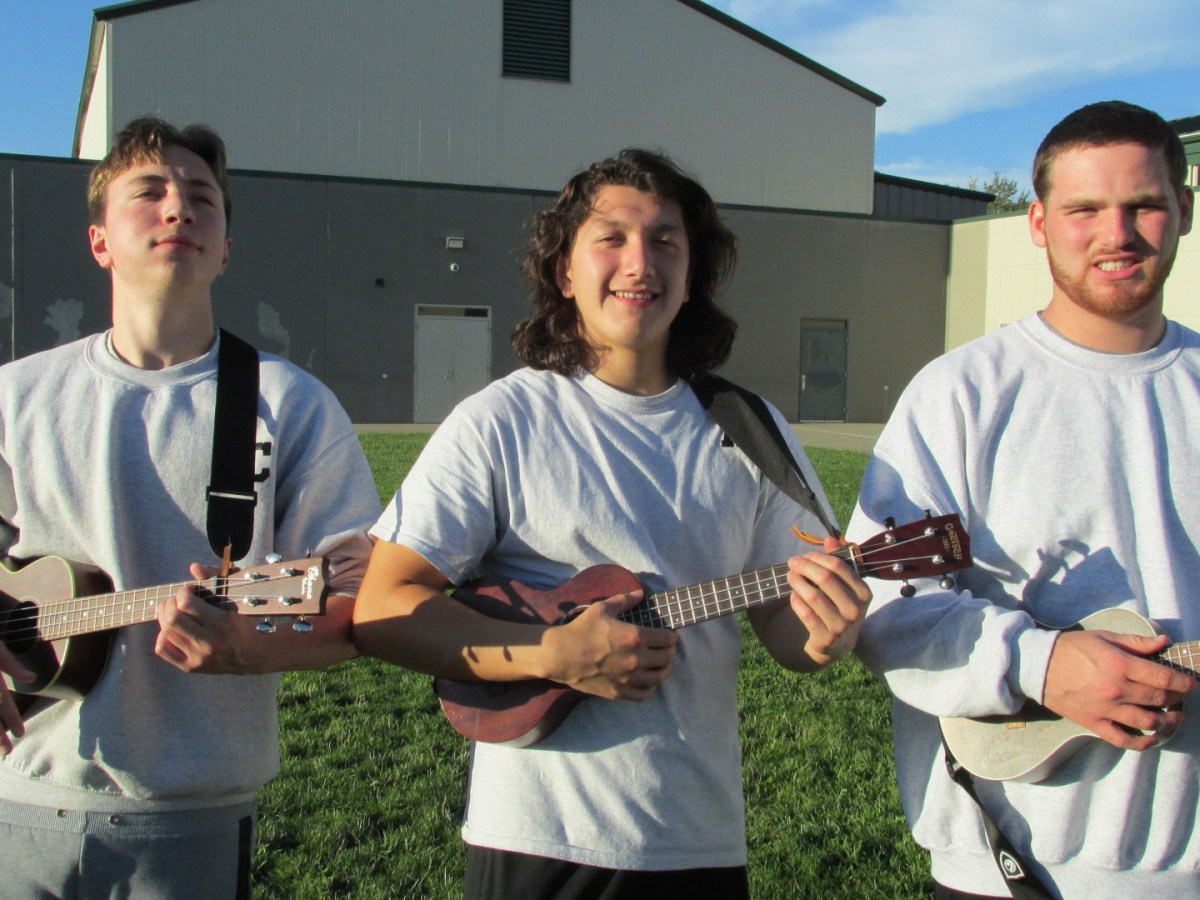 Rogue Valley Youth Correctional Facility ukulele players