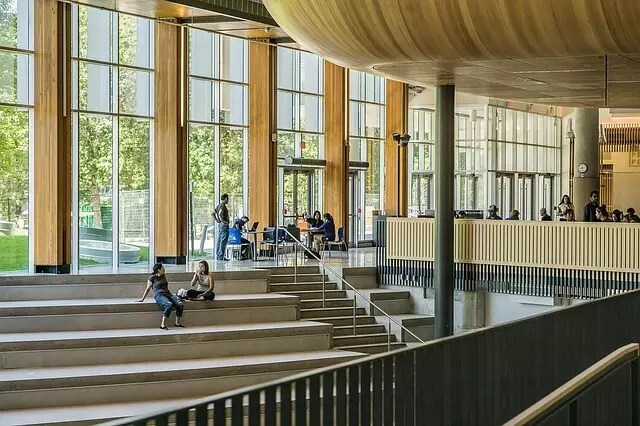 Поступить в университет Польши