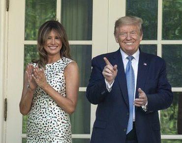 Дональда и Меланию Трамп раскритиковали за безответственное поведение