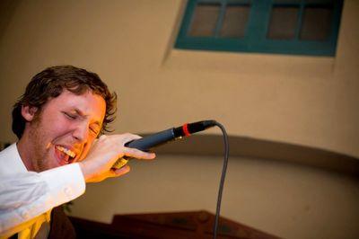 c sings