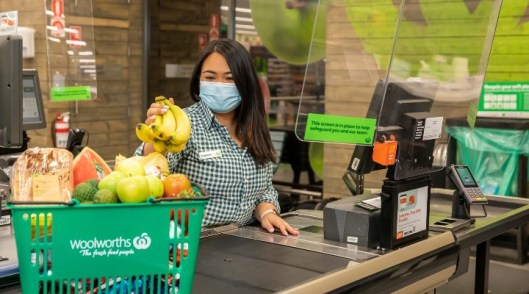 Nine Woolies stores will be cashless as of next week