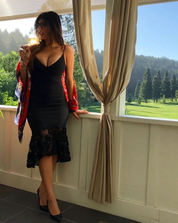 Mia Khalifa Photo By insiderion.com