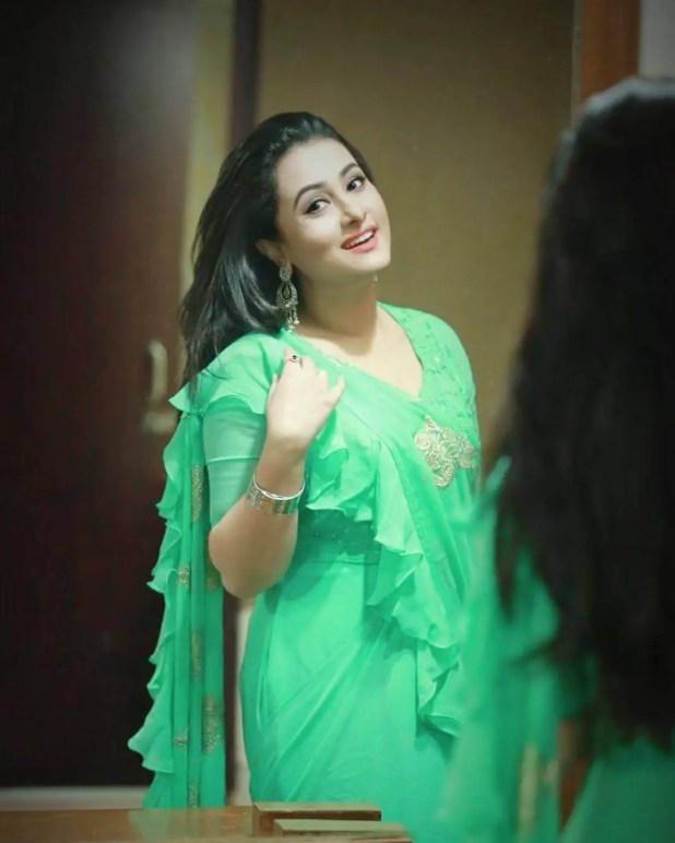Purnima green Saree mirror photo