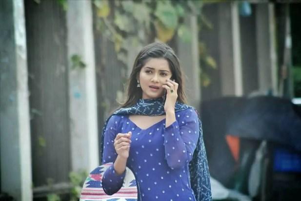 Tanjin TIsha blue dress photo
