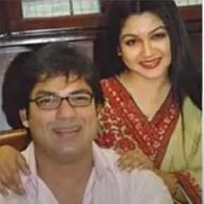 Jaya Ahsan wiht her husband