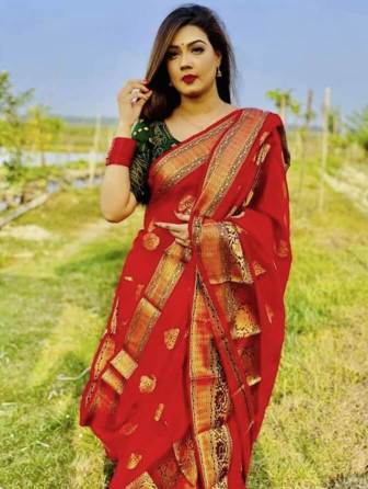 Mahiya Mahi in red saree