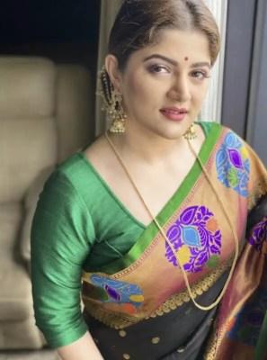 srabanti chatterjee saree photo