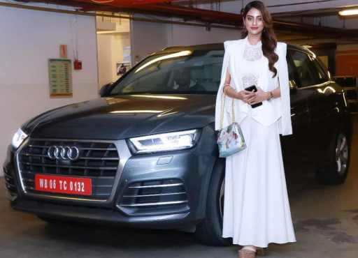 Nusrat Jahan With Car Picture