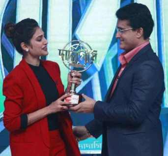 Nusrat Jahan  with Sourav Ganguly Picture