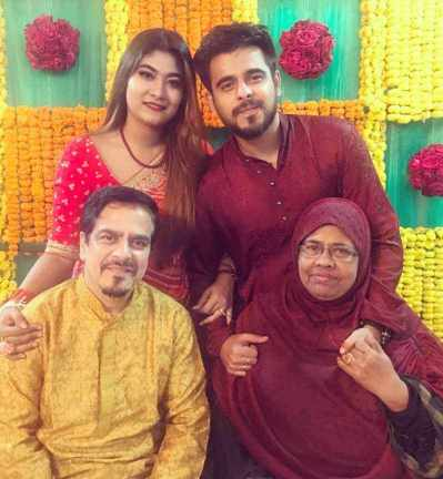 Siam Ahmed with his family