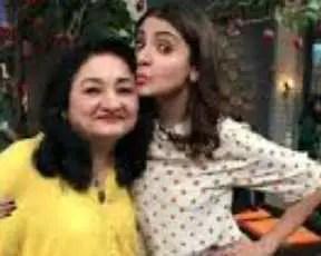 Anushka Sarma with her mother