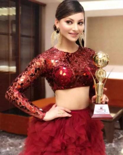 Urvashi Rautela Award Picture