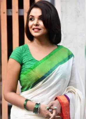 Meher Afroz Shaon  HD Image